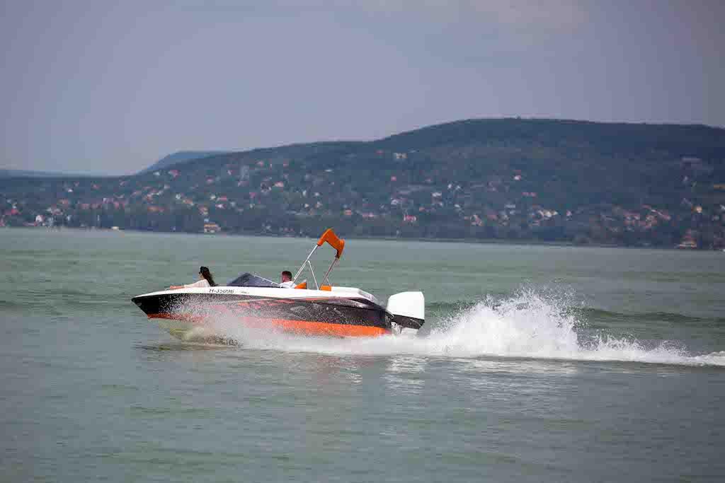 bluestarboat-sunreider-electric07sd